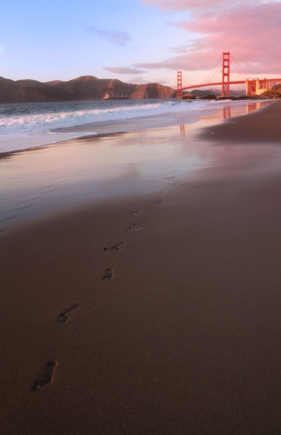 Golden Gate Bridge | Footprints in the Sand